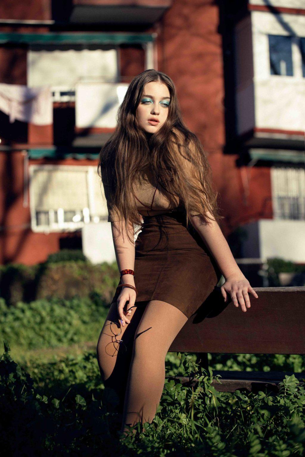brown, skirt, glasses, long hair, pose